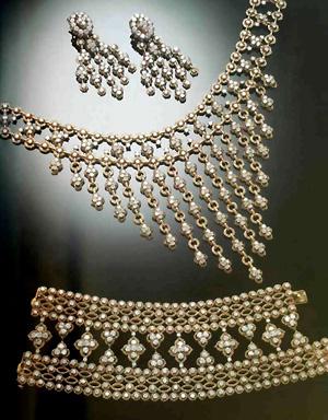 768. Парюра из золота с бриллиантами.