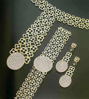 "772 Парюра из золота с бриллиантами.   ""Мобуссаи ""."